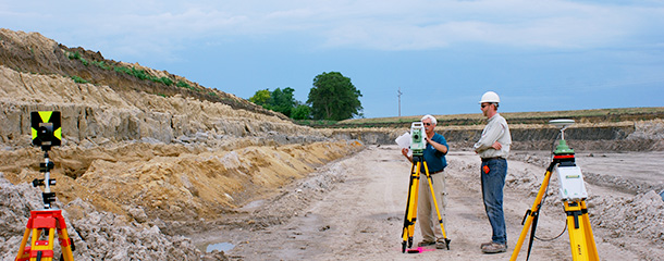 Characterizing geology outcrops using survey and GPS equipment